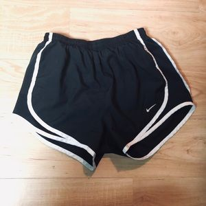 Nike dry-fit shorts xs
